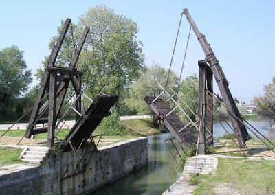 08 Camargue Bridge